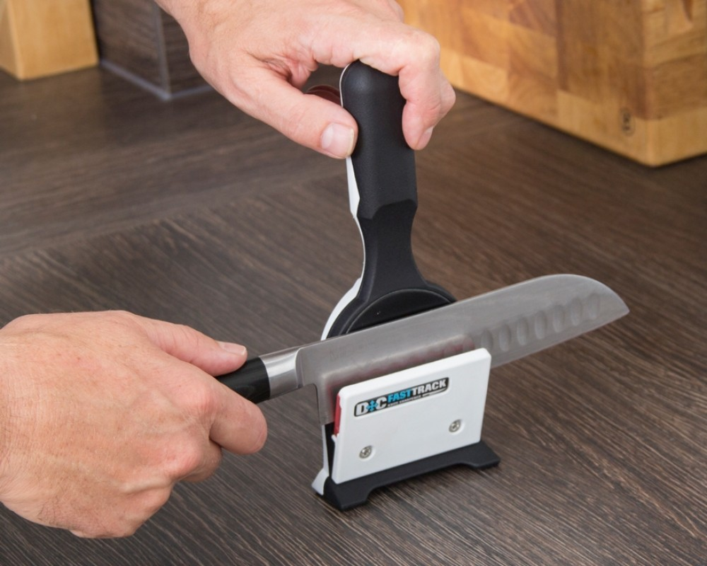 mass-produced-knife-sharpener-smoothing-blade